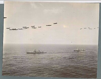 Vtg Press Photo 1941 Us Aircraft & Cruisers In Maneuvers Near California   #2195