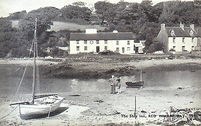 Old postcard : The Ship Inn, Red Wharf Bay, Anglesey North Wales,1940s - SALE