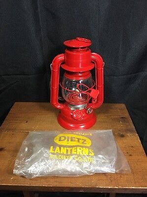 """Dietz Lantern R.E.Dietz Co Red Oil Lantern Red 8.5"""" """"The Old Reliable"""""""