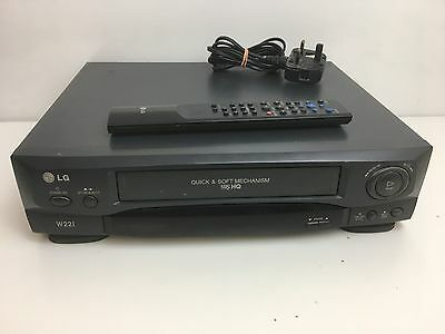 LG W22I Video Cassette Recorder VCR VHS Player - With Remote