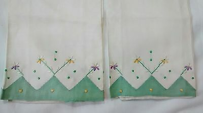 NOS Pair Pure Linen Hand Emboridered Floral Guest Towels
