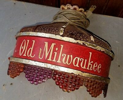 OLD MILWAUKEE BEER LIGHTED STAINED GLASS LOOK SCONCE BAR WALL SIGN or LIGHT