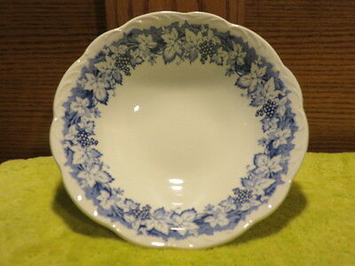 "J&g Meakin Vine 8 1/4"" Round Vegetable Bowl Blue Grapes & Leaves Scalloped Rim"