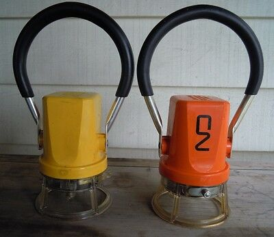 2 Genuine Canadian National Railway Cn Cnr Rr Railroad Signal Lantern Lamp Light