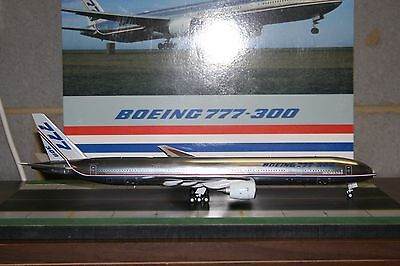 JC Wings 1:200 Boeing Company 777-300 N5014K 'house livery' (XX2237) Model Plane