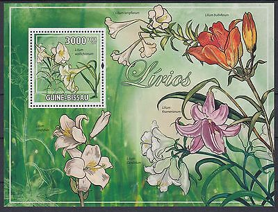 XG-AF033 GUINEA-BISSAU - Flowers, 2009 Lilies, Flora, 1 Value MNH Sheet