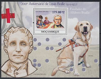 XG-AF165 MOZAMBIQUE IND - Red Cross, 2009 Braille, Dogs, 1 Value MNH Sheet