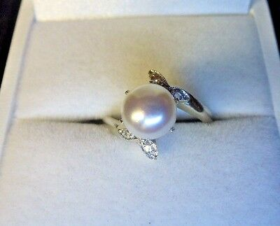 14K White Gold White Pearl & Diamond Ring  Size 4.75