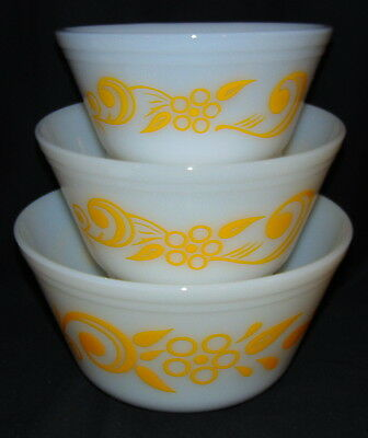 Federal * YELLOW DAISY & SCROLL* 3 PC MIXING BOWL SET* MINT*