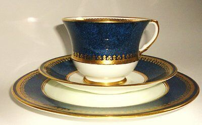 Aynsley English Vintage China Tea set Tea cup Trio Plate Saucer Blue White Gold