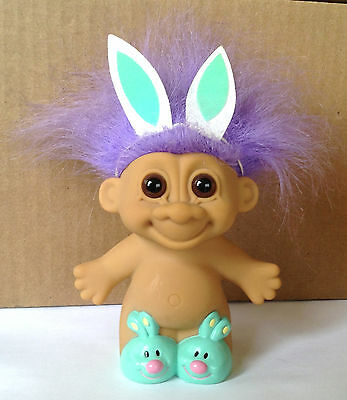 """Vintage Russ Troll Chubby Easter Bunny W/ Molded Slippers Purple Hair 18602 7"""""""