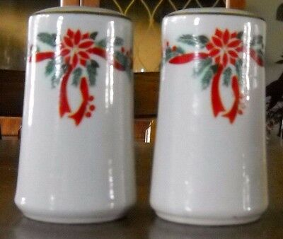 Tienshan Poinsettia And Ribbon Salt And Pepper Shakers Set 3 1/2'' Tall