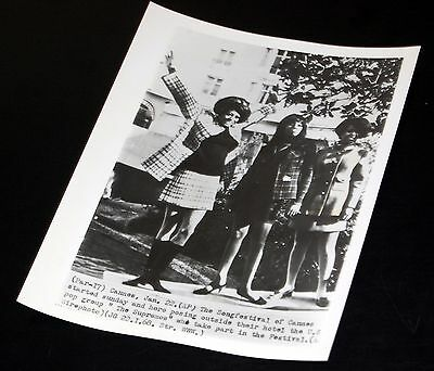 1968 THE SUPREMES Diana Ross Cannes Festival Vintage 7x9 Press Photo
