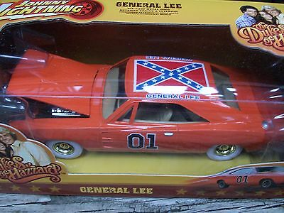 JOHNNY WHITE LIGHTNING CHASE DUKES OF HAZZARD GENERAL LEE Dodge Charger 1/25