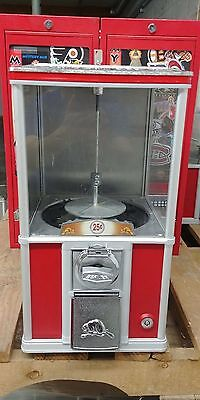 Beaver Gumball Machine Model Nb20! 25 Coin Mechanism! Working With Key!