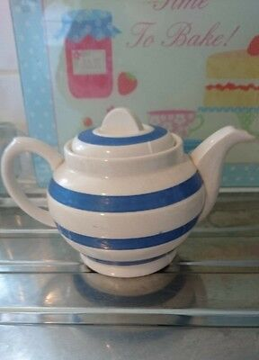 blue and white chef ware Staffordshire vintage tea pot very pretty 🌸
