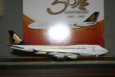 Aviation200 1:200 Singapore Airlines Boeing 747-400 9V-SMZ (SR07122) Model Plane