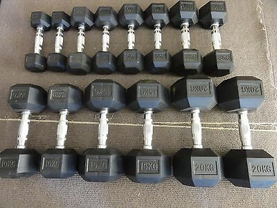 dumbell hex rubber chrome handle set in very good condition