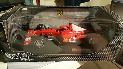 1:18 Hotwheels Ferrari F-2002 Michael Schumacher (MINT) box18
