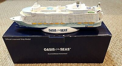 "OASIS OF THE SEAS SHIP MODEL ROYAL CARIBBEAN CRUISE LINE 12"" NEW RCCL NIB Gift"