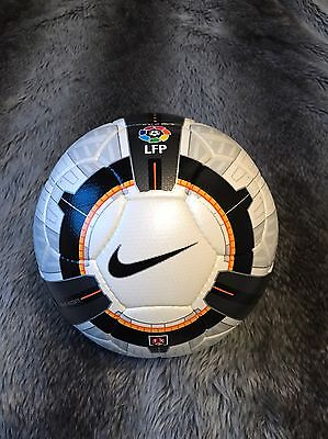 Official Nike Ascente Match Ball La Liga