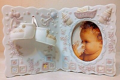 "NIP 'IT'S A GIRL!"" 3D CERAMIC BABY NURSERY PHOTO PICTURE FRAME w/BOOTIES"