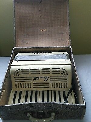 RARE VINTAGE scandalli 044/197 accordion Made in Italy