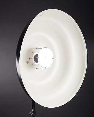 """Mola Euro 33.5"""" Soft Light Reflector Beauty Dish + BRONCOLOR Adapter (Pulso fit)"""