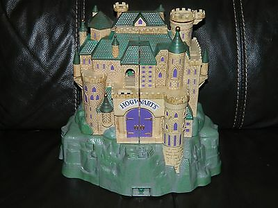 Harry Potter Hogwarts Castle Polly Pocket 2001 GOOD CONDITION!