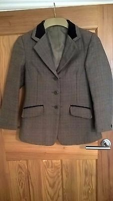 Shires Huntingdon Show Jacket - Size UK30 - Average Condition
