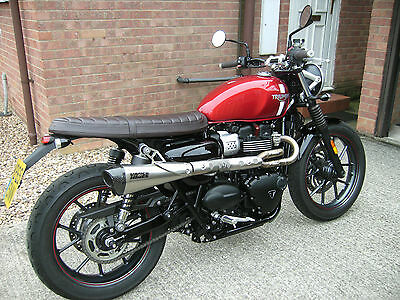 Triumph street twin scrambler 900cc immaculate condition 1250miles