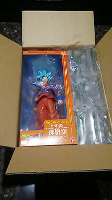 figure dragon ball goku ss4 blue gigantic series x-plus