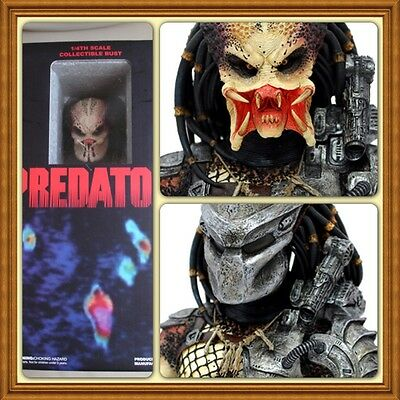 100% Brand New / Sealed Hot Toys 1:4 Alien vs Predator Statue Sideshow Bust AVP