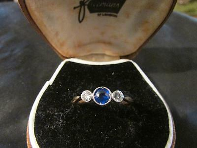 Beautiful Art Deco Quality 18ct Gold, Plat, Sapphire & Diamond Trilogy Ring