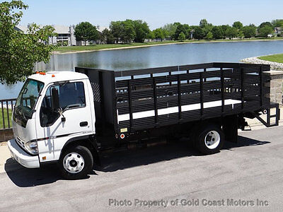 2007 Chevrolet W3500  2007 CHEVY TILT MASTER W3500 STATE/FLAT BED W/ PWR LIFT ONLY 4,823 MILES 1-OWNER