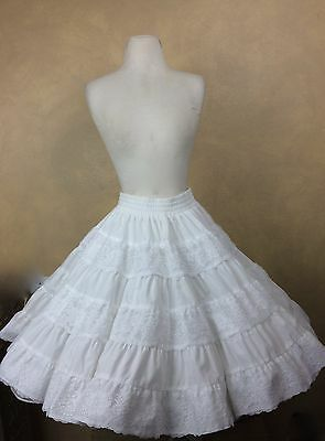 Square Dance Skirt Tiered White w Lace Trim by Square Up Size S