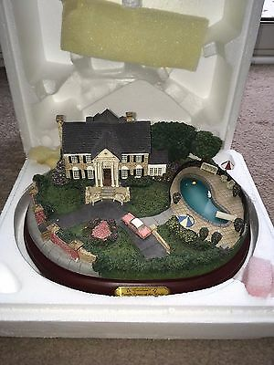 Elvis Limited Edition Light Up Graceland hand crafted/painted sculpture RARE coa