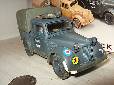 """King and Country RAF026 Austin Light Utility """"Tilly"""" RAF Version & Lady Driver."""