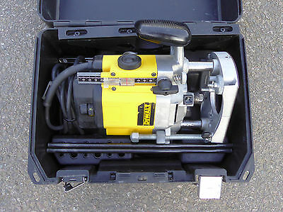 DeWALT DW625E, 240 Volt, 1/2″ Plunge Router Variable Speed, 2000 Watts