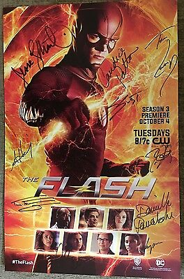 SDCC 2016 exclusive signed FLASH 11x17 Poster with Wristband