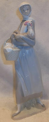 "RETIRED Lladro ""GIRL WITH COCKEREL"" #4591 Figurine Girl Chicken Basket MINT"