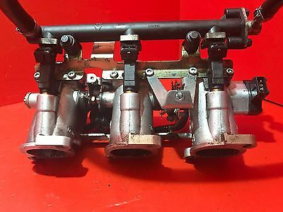 TRIUMPH SPRINT 955 955i COMPLETE THROTTLE BODIES WITH TPS AND INJECTORS 2001