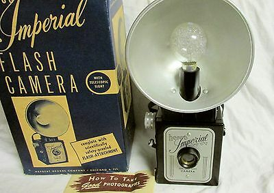 VINTAGE LATE 1950s 1960s IMPERIAL HERCO CAMERA w/ FLASH & BULB & MANUAL & BOX