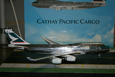 JC Wings 1:200 Cathay Pacific Cargo Boeing 747-400 B-HUR (XX2854P) Model Plane