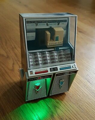 Collectable Miniature Seeburg 220 Jukebox Replica - battery operated (Lights up)