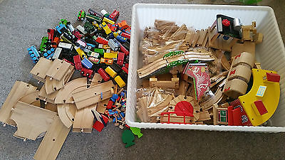 MASSIVE Thomas The Tank Engine wooden bundle trains, accessories, tracks, roads