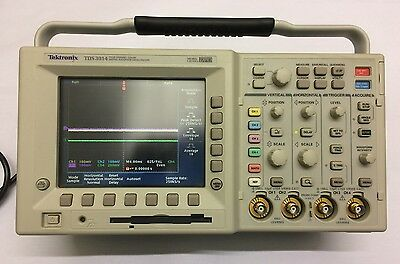Tektronix TDS3014 / 4 Channel Colour Digital Phosphor Oscilloscope / 100MHz