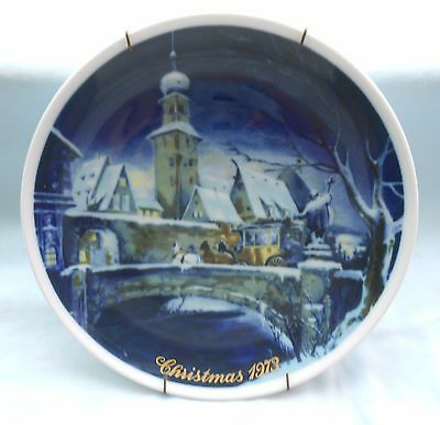 Royal Bayreuth Germany 1973 Christmas Collector Plate With Plate Hanger