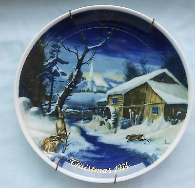 Royal Bayreuth Germany 1974 Christmas Collector Plate With Plate Hanger