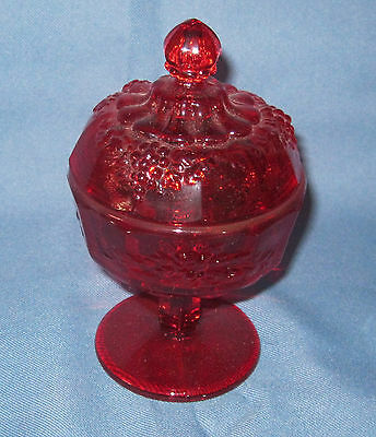 "Westmoreland PANELED GRAPE RUBY RED *6 1/2"" COMPOTE w/LID*PG 27*"